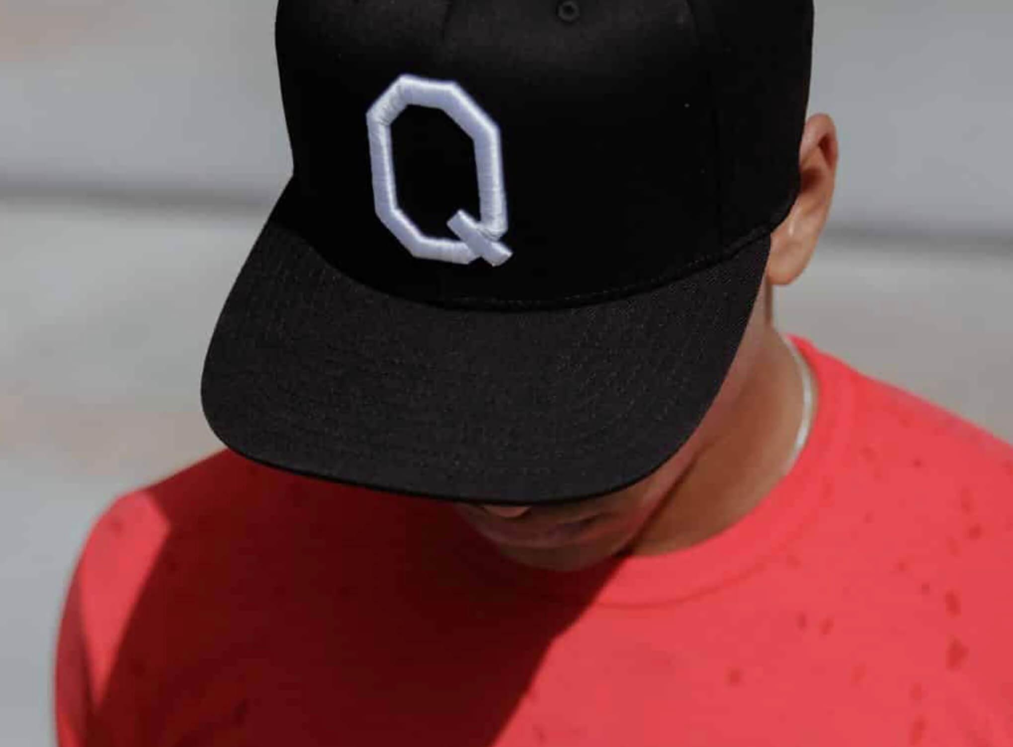 qualtrics 3D custom hat
